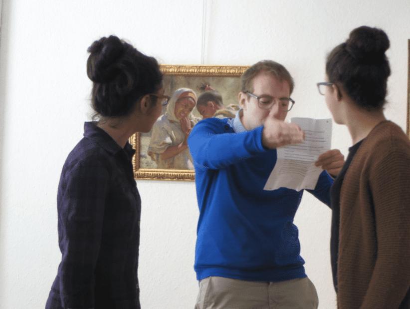 Activités scolaires - Le comédien Thomas Ress lors d'un atelier ©Musée des Beaux-Arts